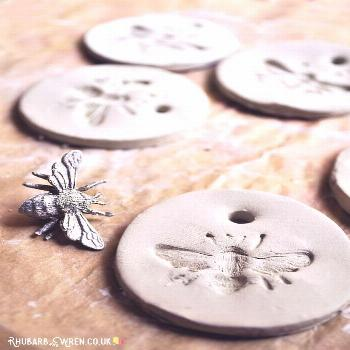 How to make simple but bee-utiful bee pendants from air dry clay!