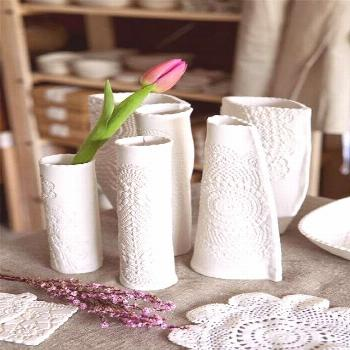 Lace-printed air-dry clay vases are a wonderful idea for a home decor! You too ... - Air dry clay